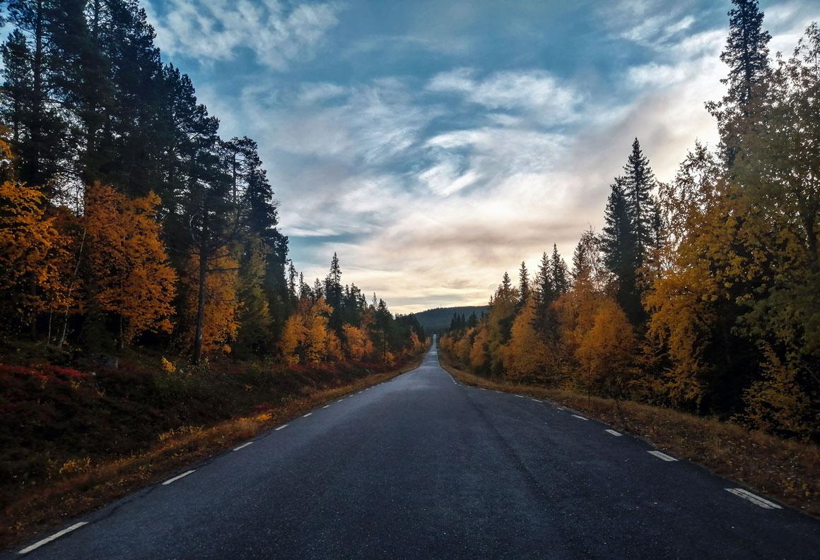 tramonto-strada-lapponia